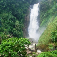 Pesona Air Terjun Bedegung dan Goa Putri