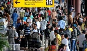 terminal-keberangkatan-1b-bandara-internasional-soekarno-hatta-_120508093457-272