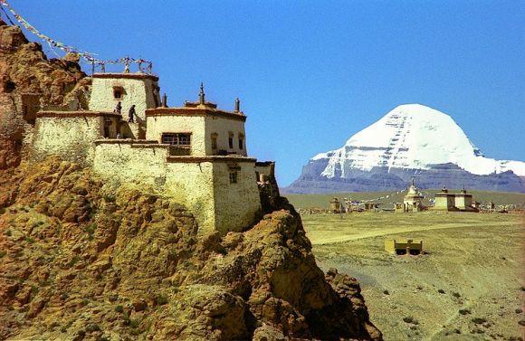 800px-Mount_Kailash_-_reurinkjan