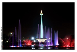 LM-001-Monas-The-National-Monument-by-night-1024x704