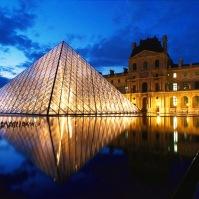 Museum Louvre -Perancis