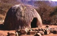 Rumah adat Zulu di Afrika Selatan