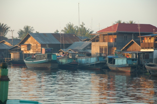 Pagi Itu di Sungai Barito