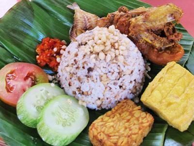 food - sangu tutug oncom