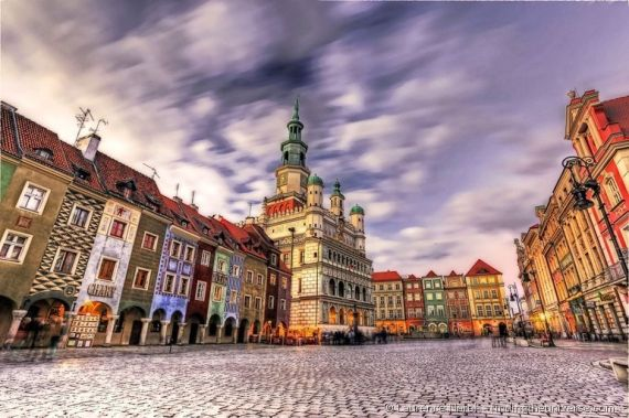 Poznan-city-square-sunset-PPS2