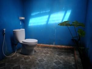 Kamar mandinya kurang bersih