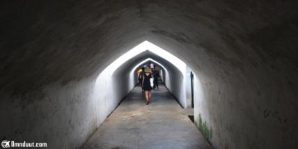 Harus menyusuri lorong seperti ini untuk mencapai Sumur Gumuling