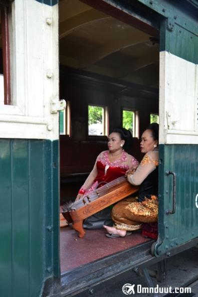 Para penyanyi tradisional