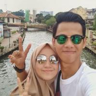 Agus bersama istri
